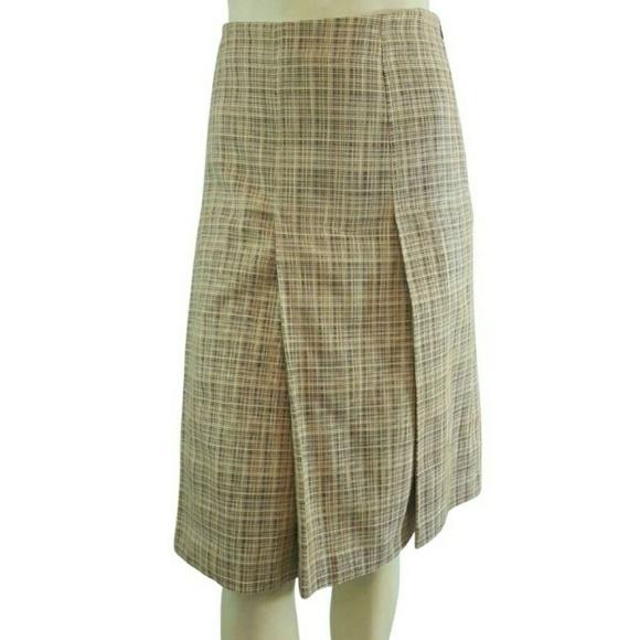 Banana Republic Dresses & Skirts - Banana Republic Pleated Woven Skirt